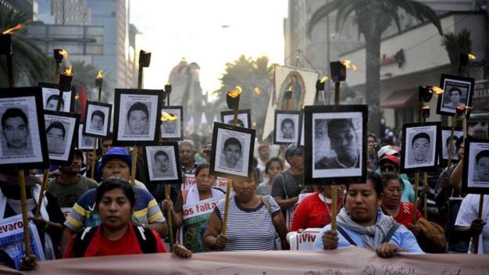 Manifestación para pedir el regreso de los estudiantes de Ayotzinapa