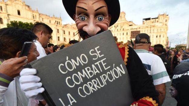 Protesta contra la corrupción en Perú.