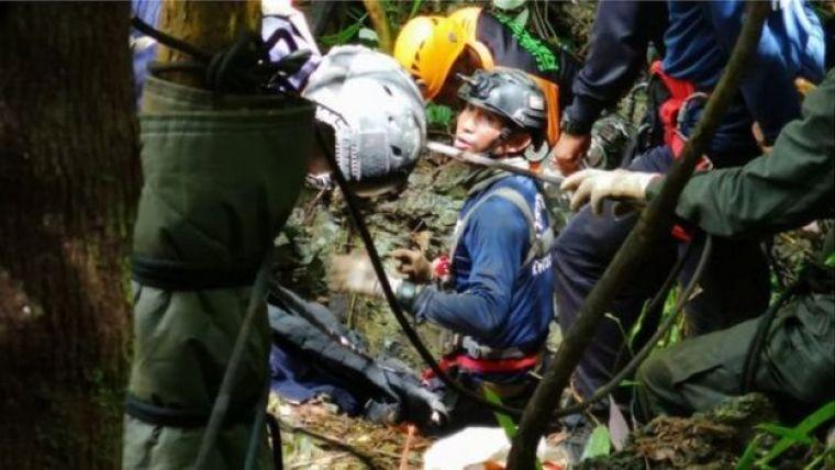 Integrantes da equipe de resgate na Tailândia