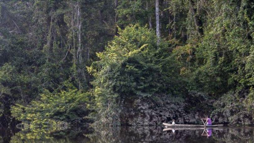 Canoa no rio Potaro