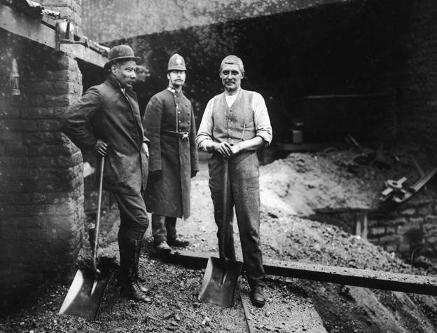 Tonypandy'deki grevci işçiler, 1910
