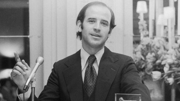 جو بايدن في سعينيات القرن الماضي