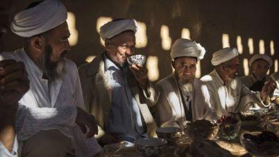 Muçulmanos chineses uigures têm fortes laços com povos da Ásia Central