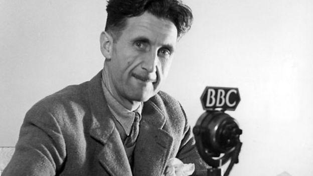 George Orwell, tên thật là Eric Blair, sinh năm 1903 và qua đời năm 1950 là nhà văn lớn của Anh