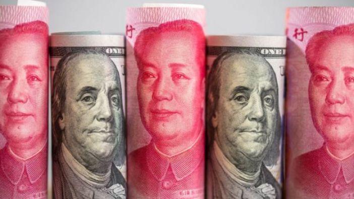 Yuanes y dólares