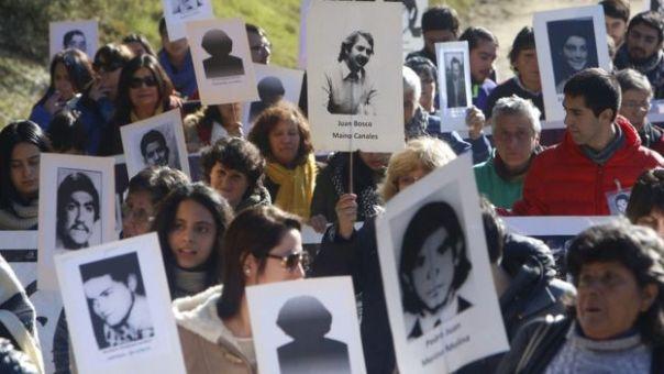 Familiares de desaparecidos en Colonia Dignidad