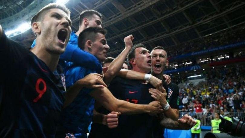 Croatas comemorando vitória sobre a Inglaterra, na semifinal da Copa do Mundo