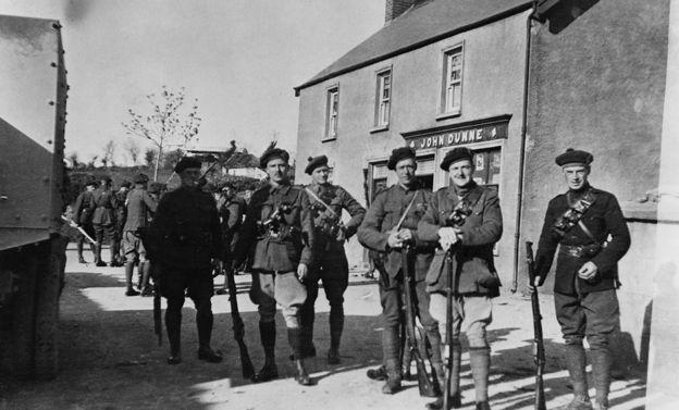 1921'de İrlanda'ya gönderilen 'Kara ve Taba' adıyla anılan özel birlikler