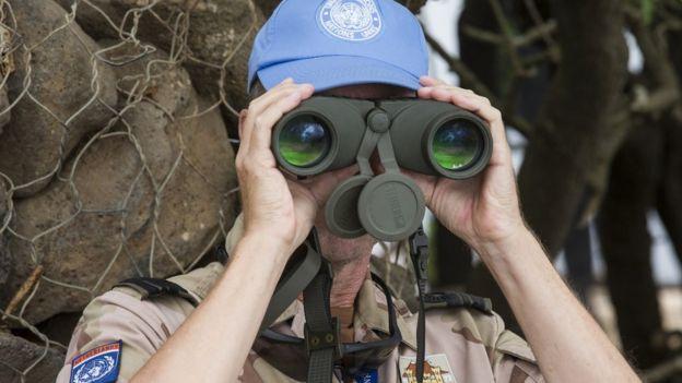 Miembro de las fuerzas de la ONU.