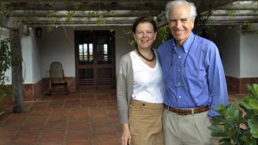Douglas Tompkins y Kristine McDivitt cumplieron con su promesa de donar la mayor parte de sus tierras al gobierno chileno.