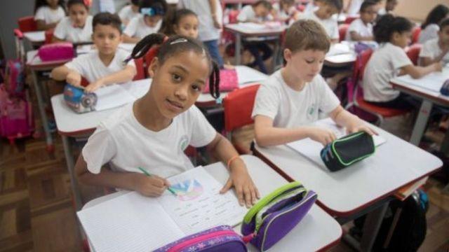 Alunos da escola Brasílio Machado