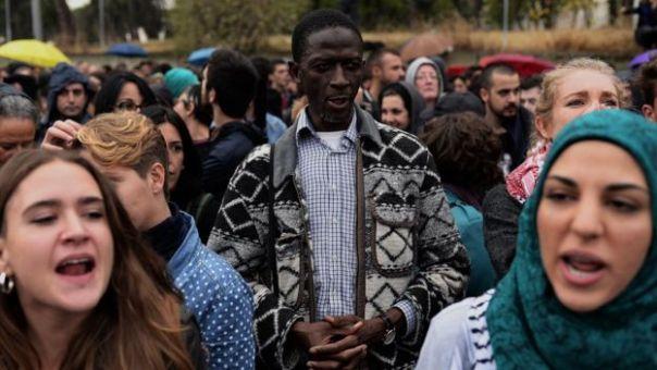 Protestas frente al centro de internamiento de extranjeros en Aluche, Madrid