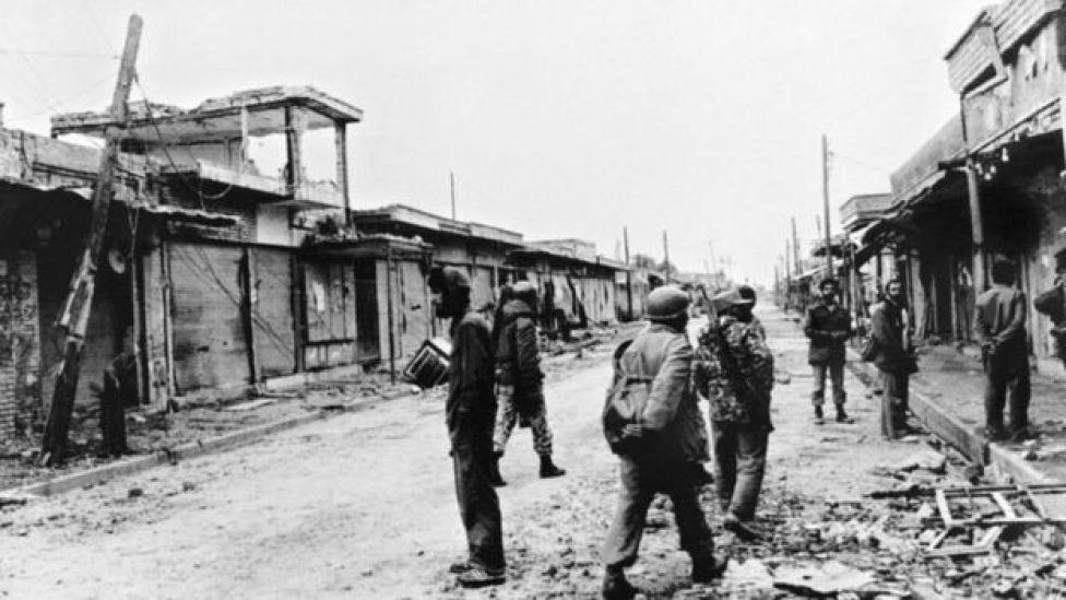 Iran-Iraq War - Iranian soldiers in Susangerd, 1980