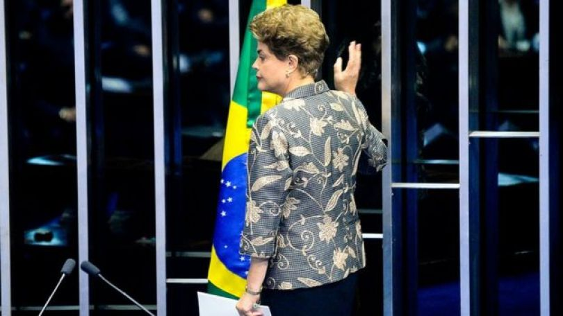 Dilma Rousseff durante sessão de impeachment no Senado