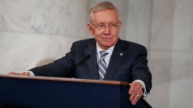 Senator Harry Reid speaks during during a ceremony to unveil his portrait, on Capitol Hill, on 8 December, 2016