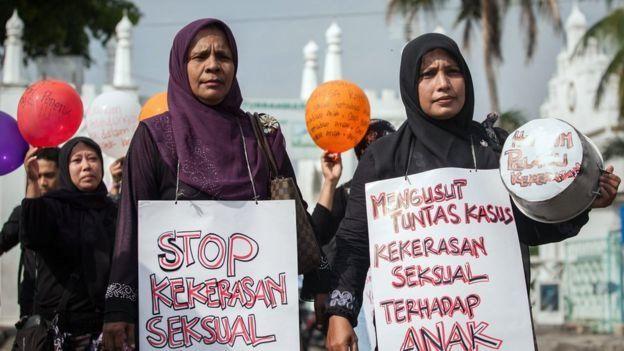 Pasal yang diprotes termasuk juga menyangkut kekerasan perempuan.