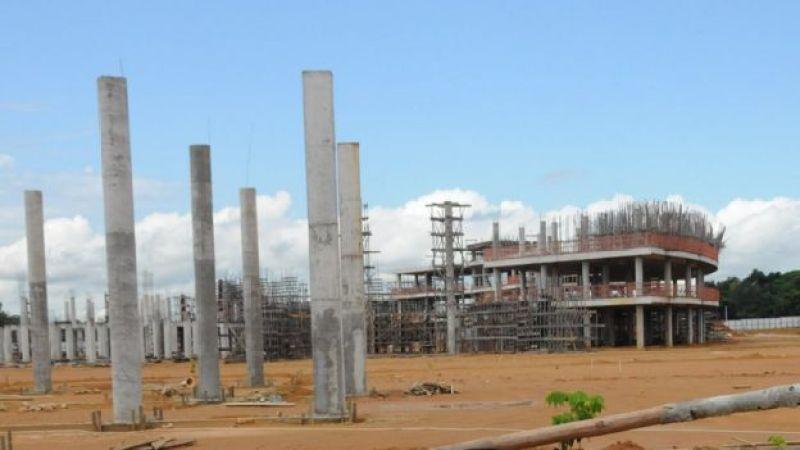 Obra inacabadas em Manaus