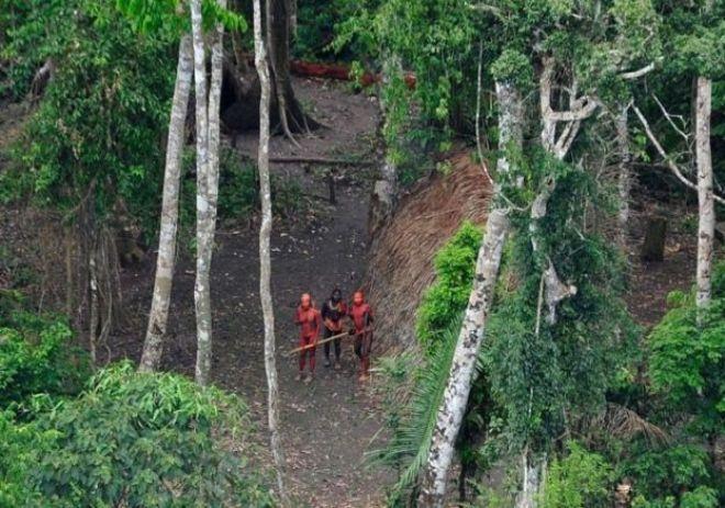Índios isolados no Acre