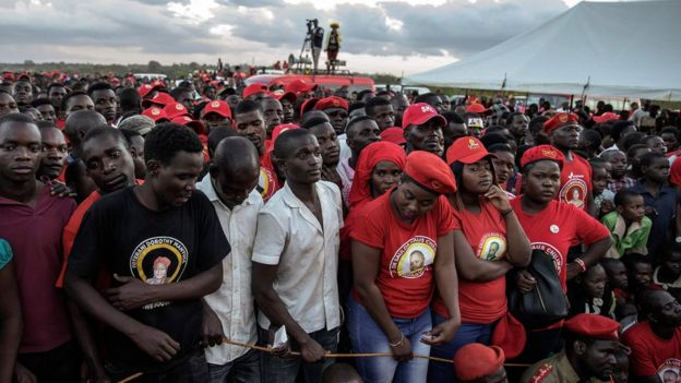 UTM supporters at a rally