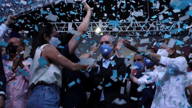 Luis Abinader durante los festejos por la victoria.
