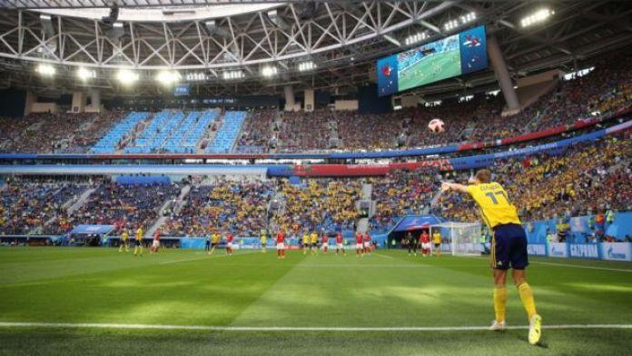 Saque de banda del sueco Viktor Claesson en el Mundial de Rusia 2018.
