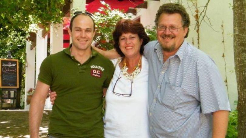 Emile Cilliers com a mãe, Zaan, e o pai, Stoltz