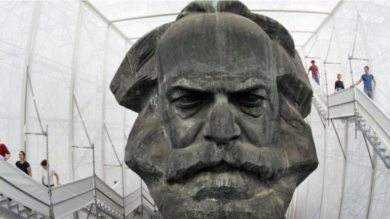 Escultura de Marx