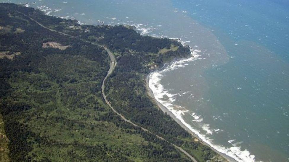 Kıyılar kıvrımlı ve sürekli değişiyor, bu nedenle ölçmek zor