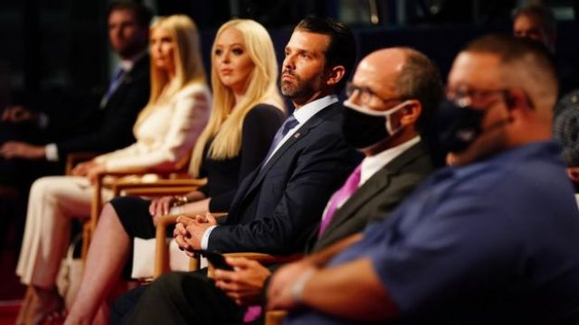 Les membres de la famille Trump Eric Trump, Ivanka Trump, Tiffany Trump et Donald Trump Jr dans le public