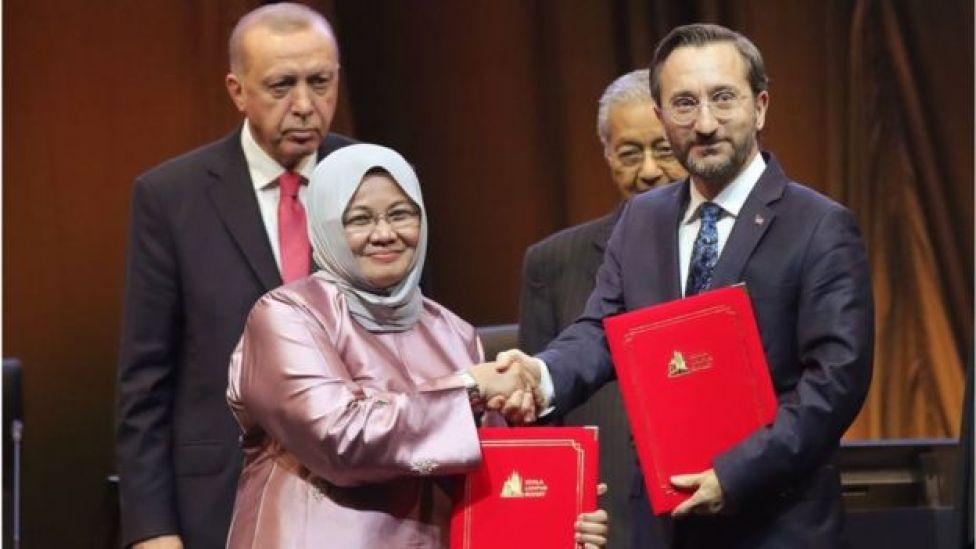 توقيع اتفاقيات