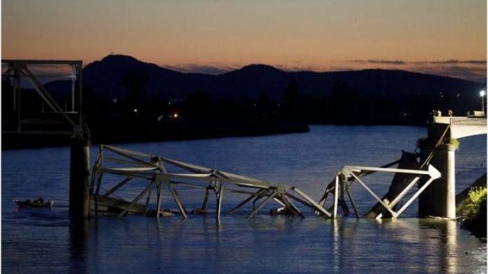 Puente derrumbado en Washington, EE.UU.