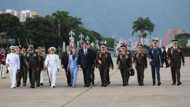 Durante los últimos meses, Maduro ha realizado numerosas apariciones en público acompañado por la cúpula militar.