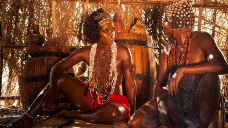 """Cena do filme """"Njinga, rainha da Angola"""""""