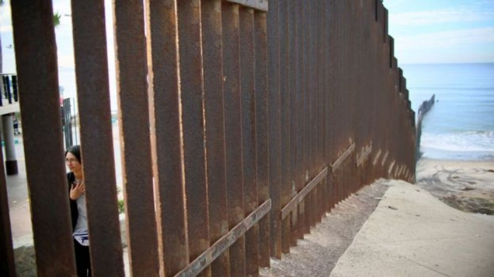 Fronteira entre EUA e México na Califórnia