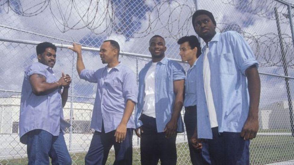 Jóvenes presos en el centro penitenciario del condado Dade, Florida