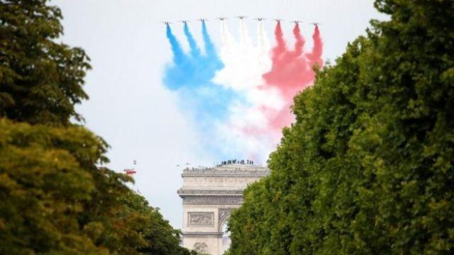 La France célèbre le 14 juillet avec des événements réduits