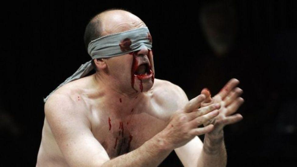 El actor francés Jacques Bonnaffe interpretando a Edipo