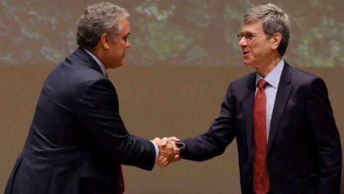 Jeffrey Sachs e Iván Duque
