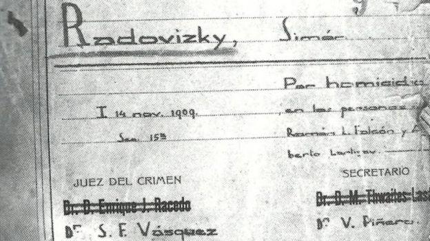 Ficha del prontuario 13.651 Simón Radowitzky, Sección Orden Social de la Policía de Buenos Aires . El atentado tuvo lugar el 14 de noviembre de 1909 en Buenos Aires.