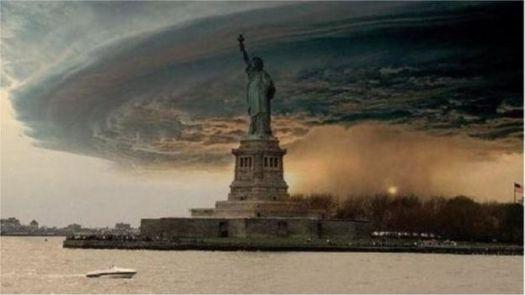 Imagem alterada de nuvens sobre Nova York