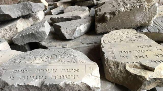 Lápidas del cementerio judío.
