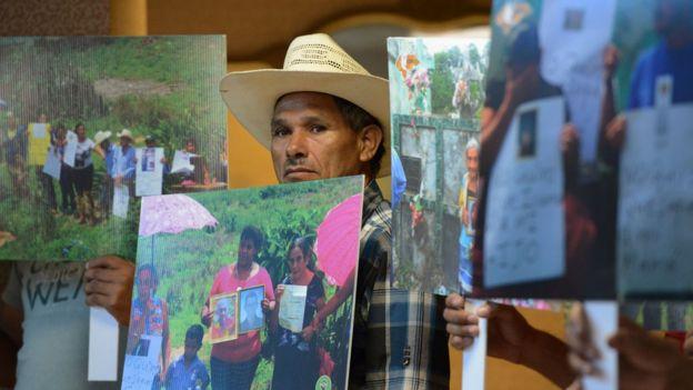 Pobladores de Azacualpa