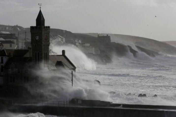 Waves hit Porthleven