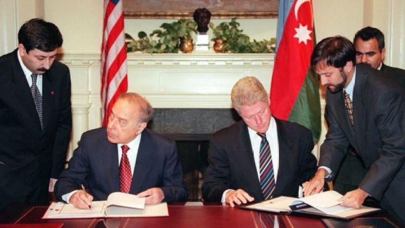 1997-ci il, avqustun 1-i, Ağ Evdə prezident Heydər Əliyevlə ABŞ prezidenti Bill Clinton-un görüşü