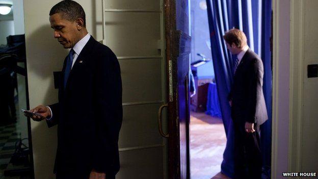 Tổng thống Obama từng gửi email cho bà Clinton đến địa chỉ email cá nhân, theo người phát ngôn Nhà Trắng