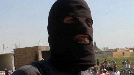 مسلحو تنظيم الدولة الإسلامية ادعوا أنهم أسقطوا طائرة حربية سورية.
