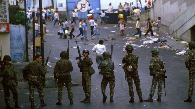 """Qué fue """"la masacre del Caracazo"""" hace 30 años y qué nos dice de la situación actual en Venezuela - BBC News Mundo"""