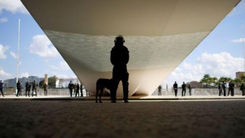 Back guard under ramp in Brasilia