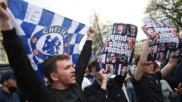 دوري السوبر الأوروبي: انسحاب الأندية الإنجليزية بعد انتقادات واسعة للمشروع - BBC News عربي