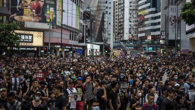抗议群众挤满香港铜锣湾街头(18/8/2019)